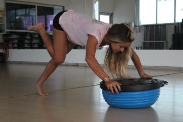 Maju treina golfinho com bozu.  Foto: Blog Surf Room